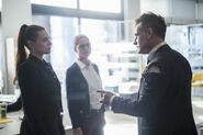 7.Supergirl We Good Lena Luthor, Kara et Morgan Edge