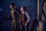 17.Arrow-We Fall-Green Arrow et William