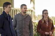 17.The Flash-elseworlds-part1-Barry, Oliver et Kara