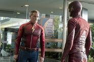 3.The Flash The Present- Jay Garrick-3 et The Flash