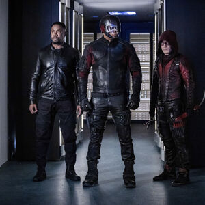 5.Arrow-You Have Saved This City-Bronze Tiger, Spartan et Arsenal.jpg