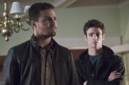 Arrow-crossover-legends-yesterday-amell