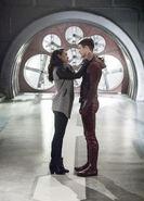 10.The Flash Infantino Street Iris et Barry