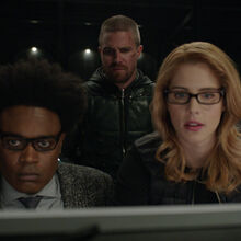 3.Arrow-You Have Saved This City-Rene, Oliver, Curtis et Felicity.jpg