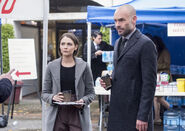 5.Arrow-We Fall-Thea Queen et Quentin Lance