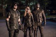 8.arrow-episode-unchained-equipe