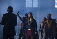 5.The Flash Invasion Spartan, Speedy, Supergirl, White canary, firestorm & heatwave