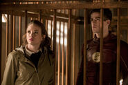 13.The Flash-Attack on Gorilla City-Caitlin et Barry
