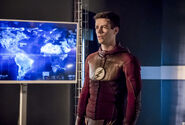 5.The Flash Finish Line Barry