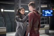11.The Flash Infantino Street Iris et Barry