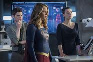 12.Supergirl-The Fanatical-Winn, Supergirl et Lena