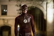 16.The Flash Infantino Street Flash