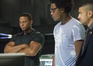 8.Arrow next of kin Diggle, Curtis et Rene
