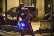 18.The Flash Infantino Street Flash