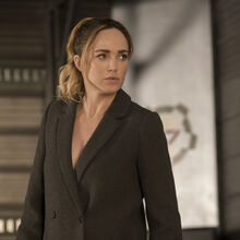 5.LOT-The Good, The Bad and the Cuddly-Sara Lance.jpg