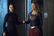 6.Supergirl-In Search Of Lost Time-Alex Danvers et Supergirl