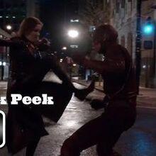 The Flash S02E22 - Sneak Peek - Invincible (katie Cassidy)