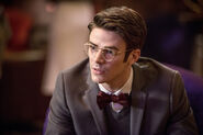 4.the-flash-episode-welcome-earth-2-grant-gustin