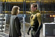 1.the-reverse-flash-returns-episode-stills-mcgee