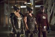 Arrow-crossover-legends-yesterday-hawkman-hawkgirl
