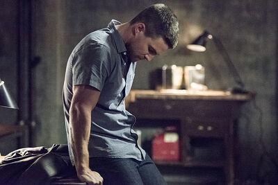 Arrow-season-3-premiere-oliver-queen
