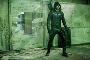 Arrow-Midseason-Premier-Photos-Show-Olive-Queen-Face-Prometheus-with-Mister-Terrific-and-Felicity-2