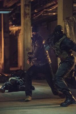 Arrow-season-3-premiere-fight