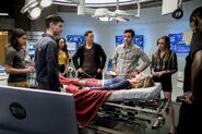 2.The Flash Duet Cisco, Barry, HR, Iris, Mon-El, Caitlin, J'onn J'onzz et Supergirl