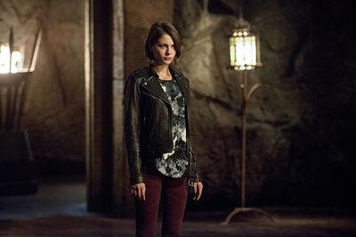 Arrow-season-4-restoration-willa