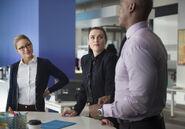 3.Supergirl We Good Kara; Lena et James