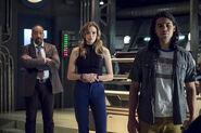 14.The Flash The Present-JOe, Caitlin et Cisco