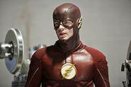 9.the-reverse-flash-returns-episode-stills-costume