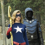 2-legends of tomorrow The Justice Society of America Star girl et obsiden.jpg