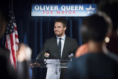 Arrow-episode-beyond-redomption-oliver-queen-for-mayor