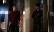 7.The Flash Finish Line Barry et Savitar