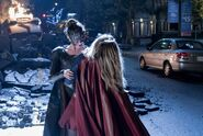 14.Supergirl Reign Supergirl face à Reign