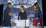 2.supergirl-bizarro-episode-deo