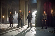 16.Arrow Lian Yu Nyssa al Ghul, John Diggle, Deathstroke et Dinah Drake