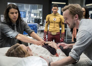 7.The flash Abra Kadabra Caitlin, kid Flash, Iris, Cisco et Julian