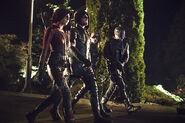 6.arrow-blood-debt-episode-team