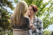 11.Supergirl Midvale Alex Danvers et Eliza Danvers