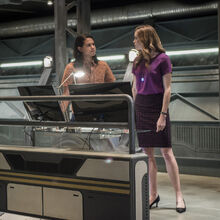4.The Flash Dead or Alive Cisco et Caitlin.jpg