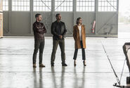 11.The Flash Invasion Oliver, Diggle & Thea