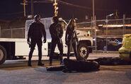 3.Arrow Dangerous Liaisons Spartan, Oliver et Dinah Drake