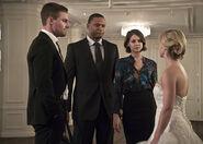 16.Arrow Broken Hearts Oliver, Diggle, Thea et Felicity
