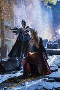 17.Supergirl Reign Supergirl face à Reign