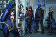 2.arrow-episode-unchained-team