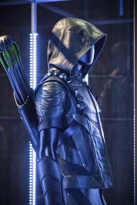 Arrow-season-3-premiere-new-costume