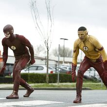 9.The-Flash-Untouchable-Flash et Kid Flash.jpg