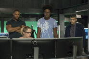9.Arrow next of kin Diggle, Felicity, Curtis et Rene